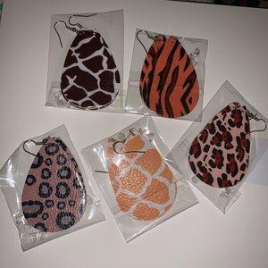 Jewelry - Faux printed earrings